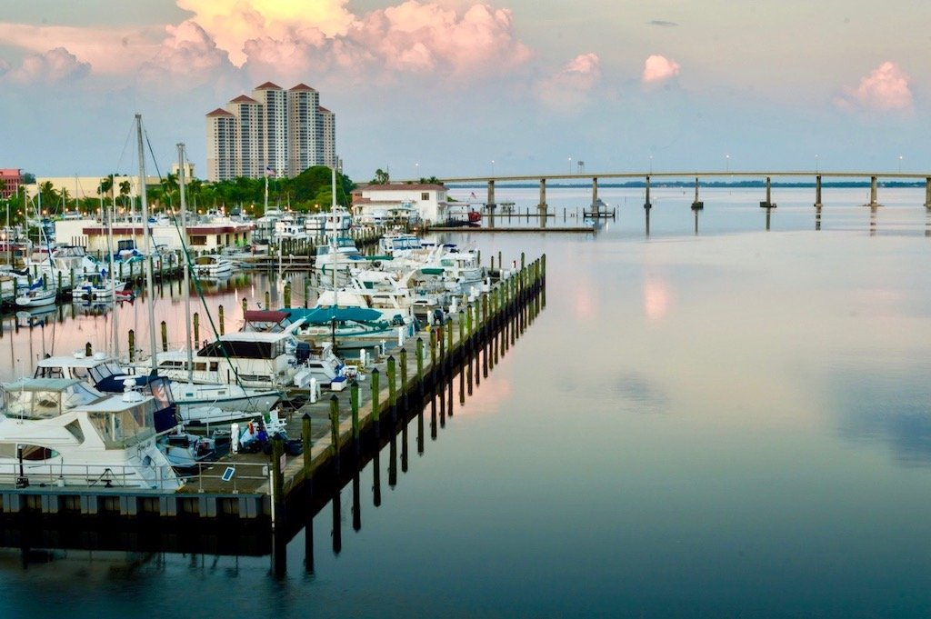North Fort Myers Waterfront Homes for Sale, Waterfront Condos North Fort Myers