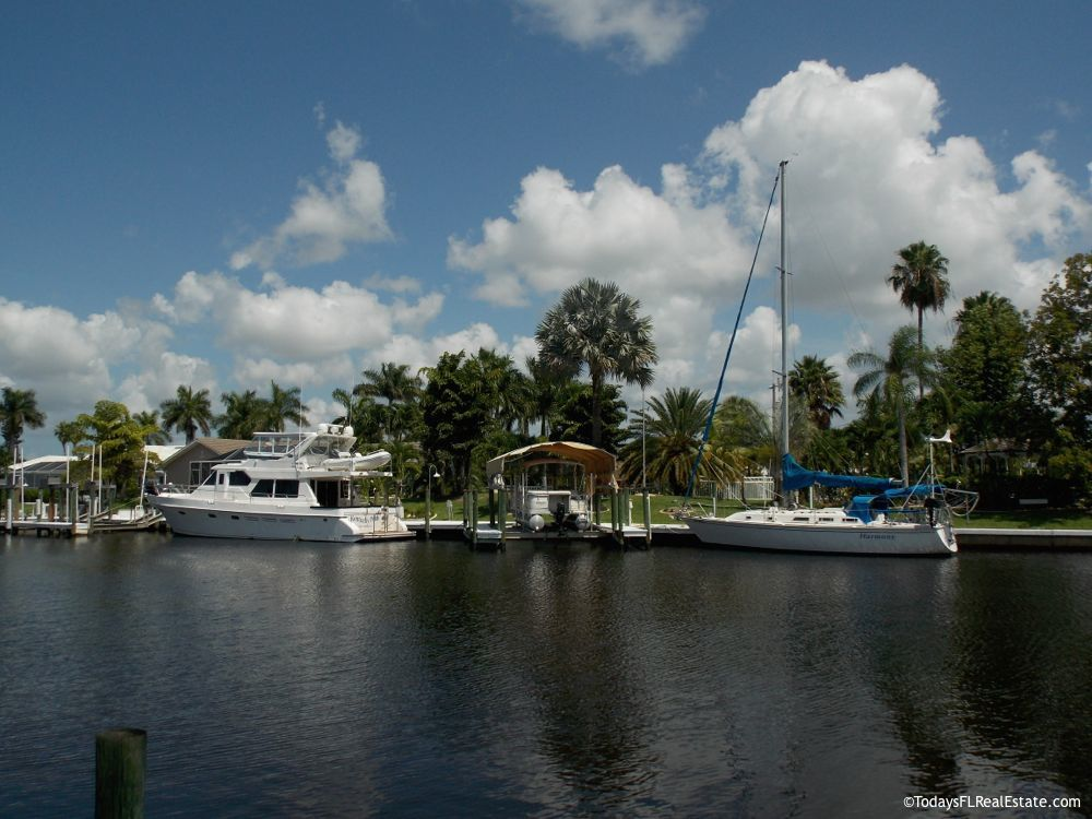 Boating Real Estate Florida, Waterfront Real Estate Florida, Boating Communities Cape Coral Florida, Homes with Boat Docks Cape Coral