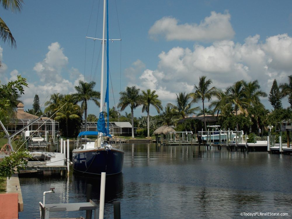 Gulf access homes Cape Coral Florida, Sailboat direct access canals Cape Coral, Southwest Florida boating communities, Luxury Waterfront Homes Cape Coral