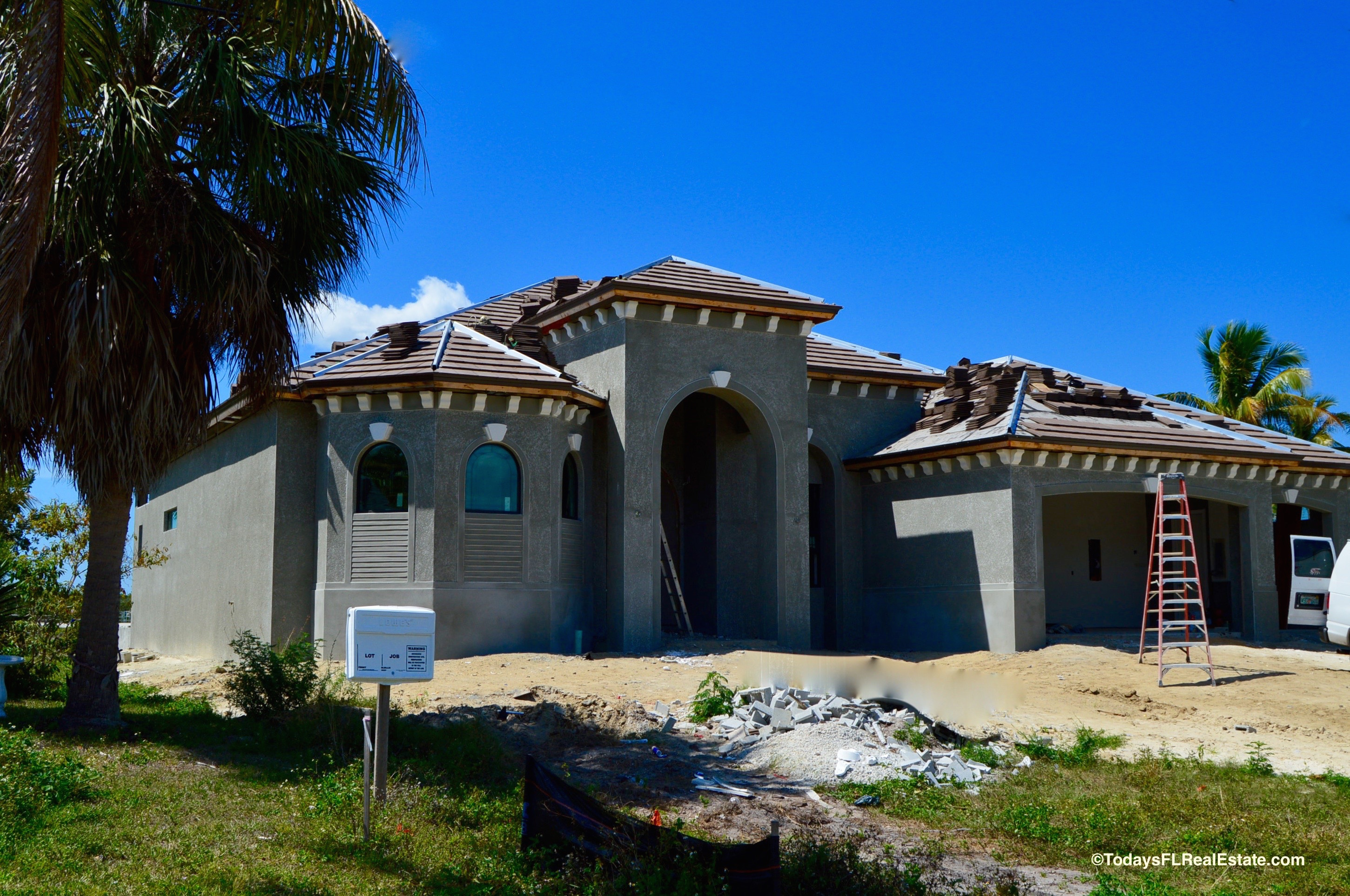 Cape coral new homes new construction homes cape coral for Modern florida homes