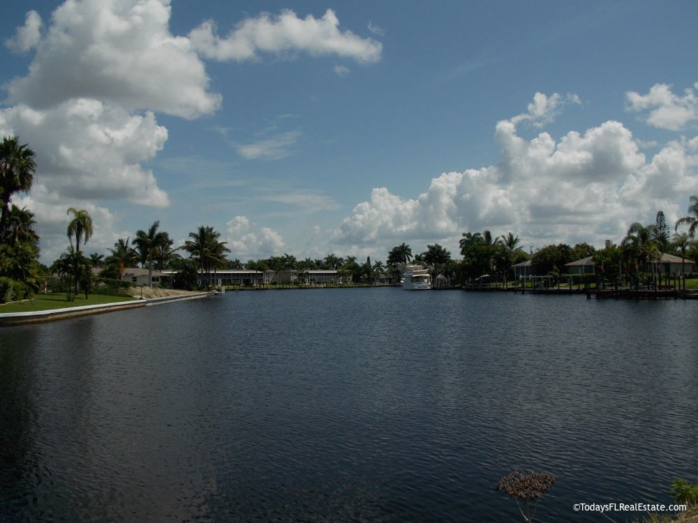 Waterfront Homes for Sale Cape Coral Florida, Florida Waterfront Real Estate, Florida Boating Communities, Deep water Gulf Access Homes Cape Coral Florida, New construction homes waterfront Cape Coral