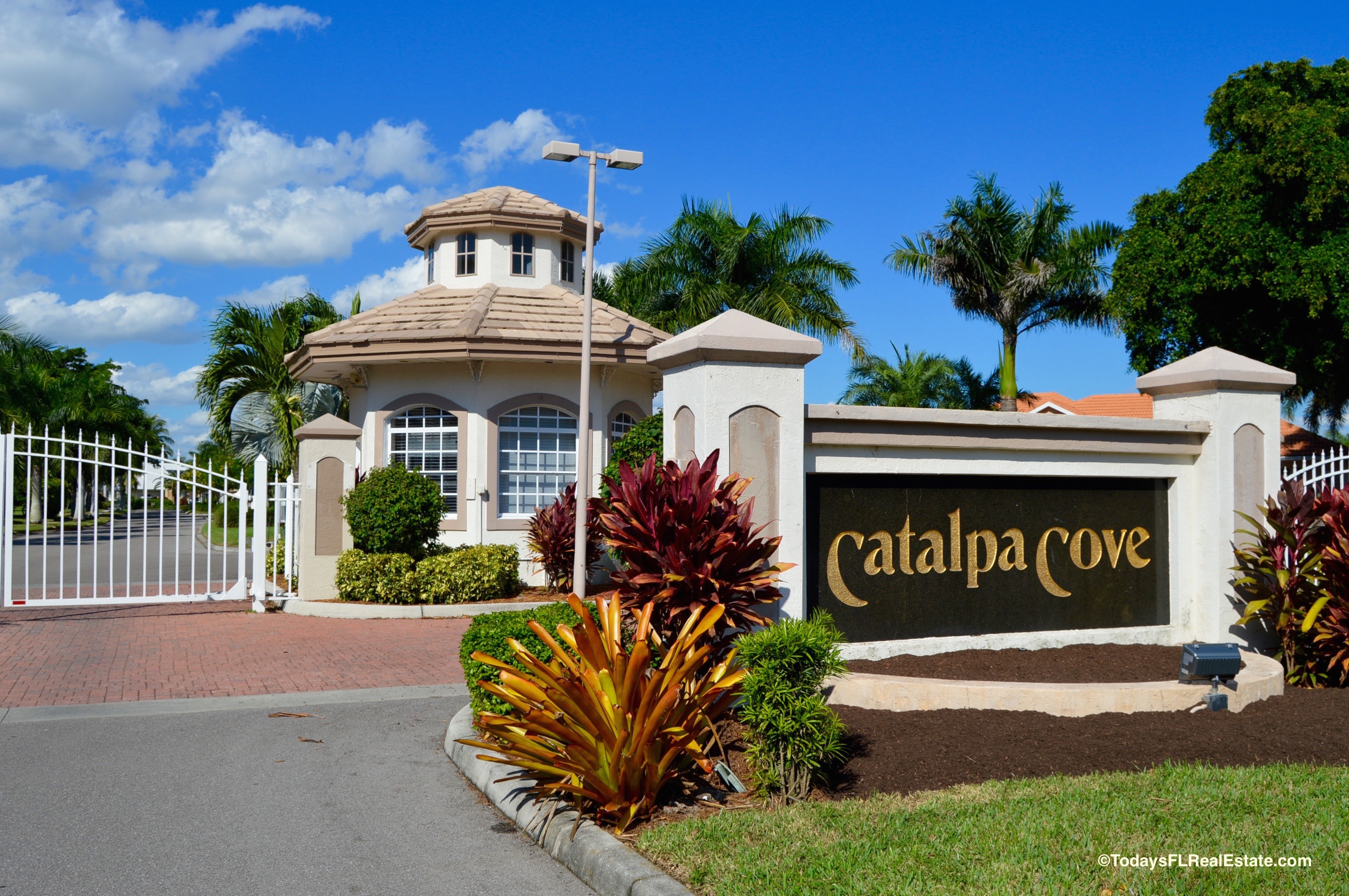 waterfront communities in fort myers florida waterfront real rh todaysfloridahome com waterfront homes for sale fort myers beach florida