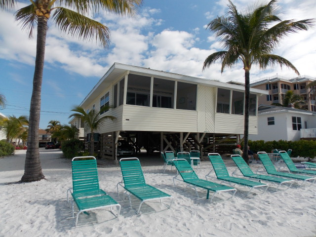 Bahama Beach Club Condos For