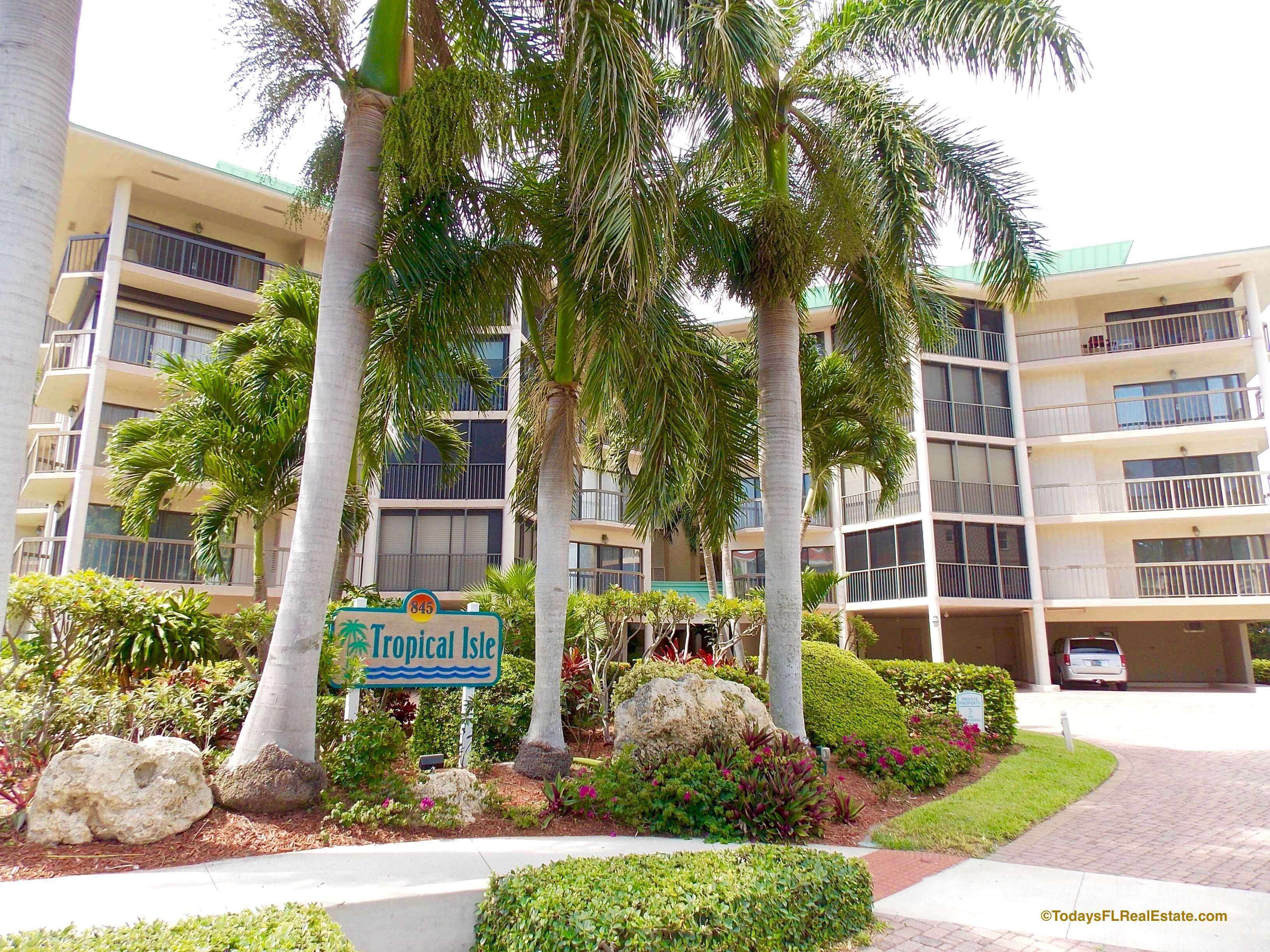 Walk to Beach Condos Marco Island, Marco Island Walk to Beach Condominiums