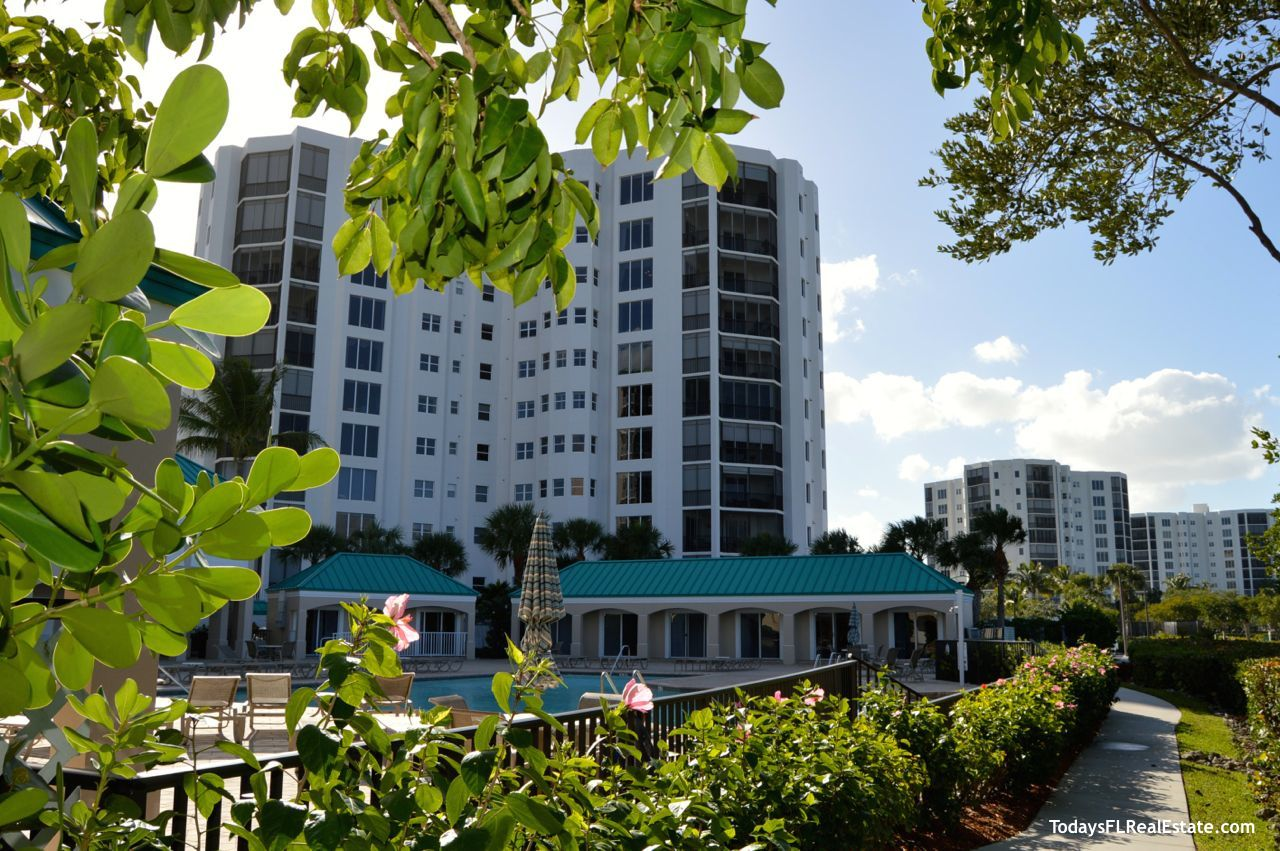 Waterside Condos Fort Myers Beach Florida, Waterfront condos for sale fort myers beach, condos with swimming pools, Amenities Waterside Condos, 3 bedroom condos fort myers beach, 3br condo